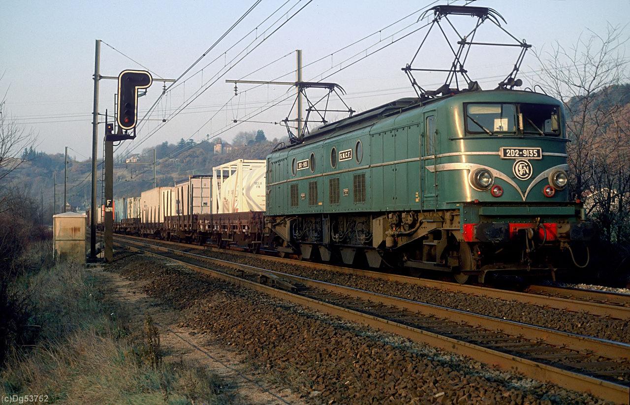 http://www.dg53752.de/DSO019_Buchli_F_Nachschlag/SNCF_2D2-9135_filtered.jpg