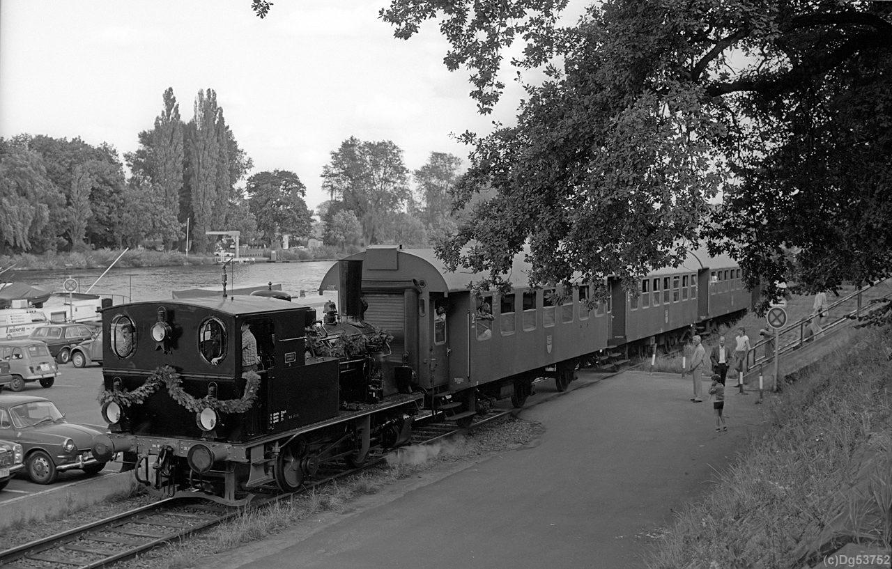 http://www.dg53752.de/DSO037_OF_Hafenbahn/10_107-1-4_Hafenbahn_Offenbach_85xxxx_filtered.jpg