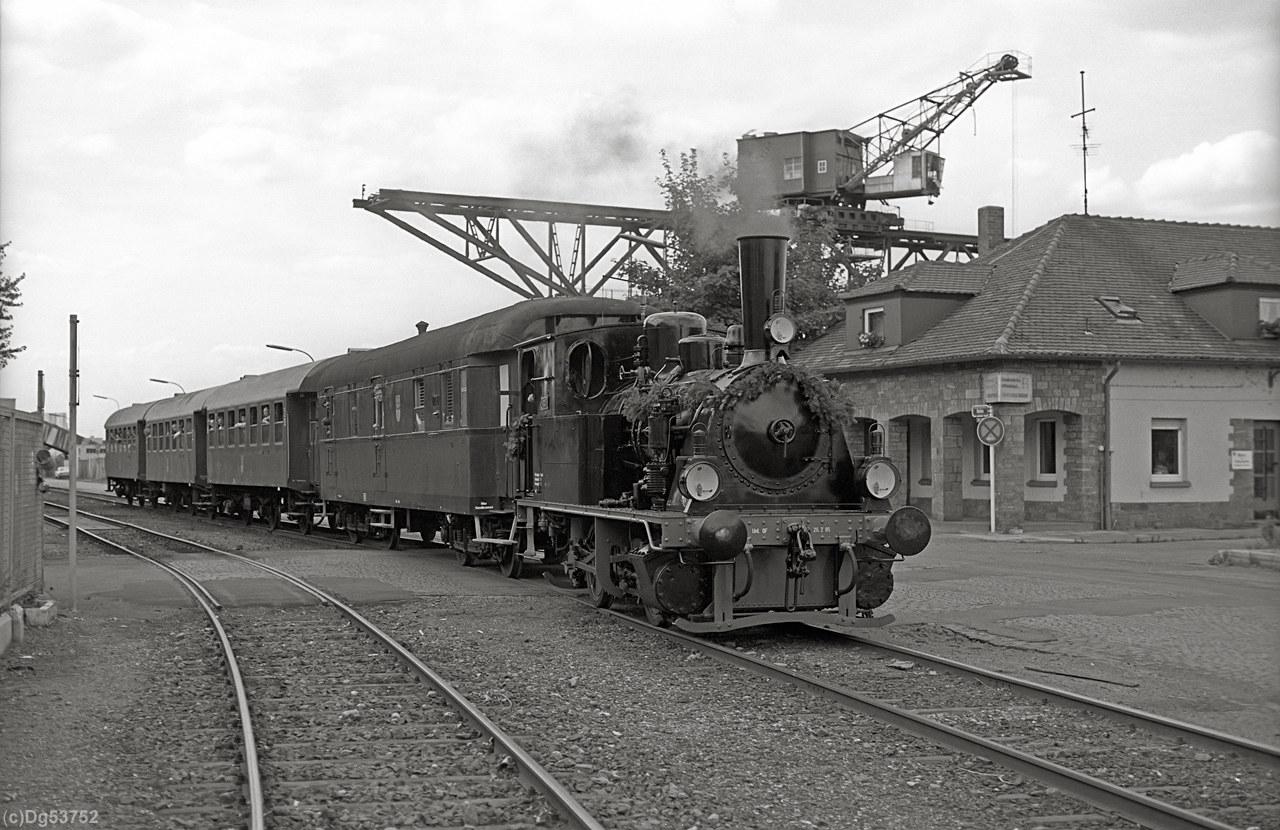 http://www.dg53752.de/DSO037_OF_Hafenbahn/13_107-2-5_Lokalbahn_Offenbach_85xxxx_filtered.jpg